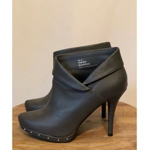 Maurices Gray Heeled Booties Size 9